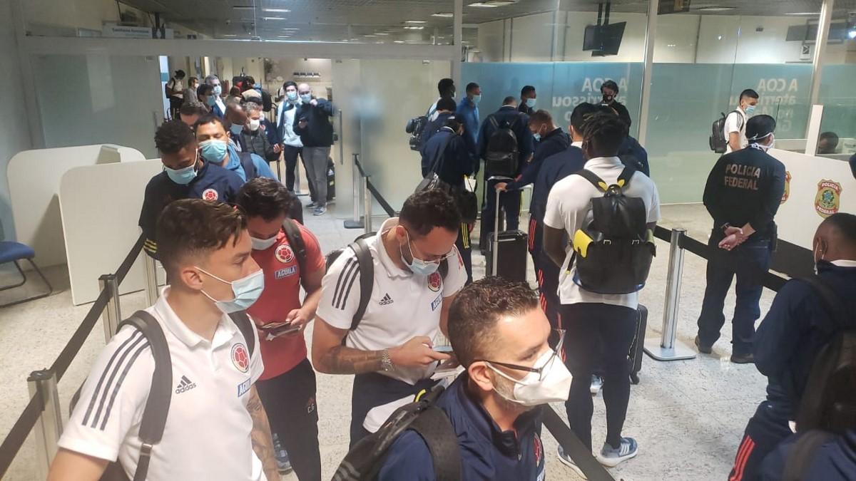 Seleccion Colombia en aeropuerto 3