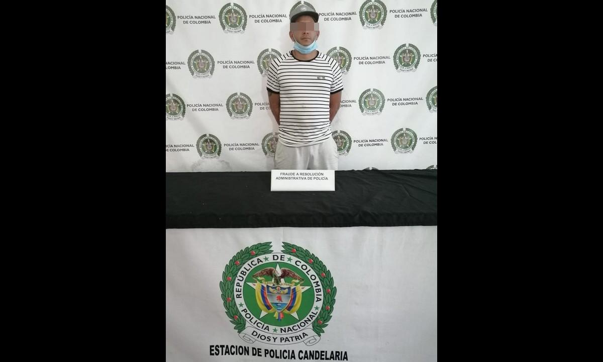 ¡Creyó que podía hacer lo que le diera la gana! Venezolano abrió local sellado en Medellín y lo capturaron