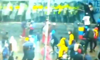 Manifestantes atacaron a policías en el Portal Américas