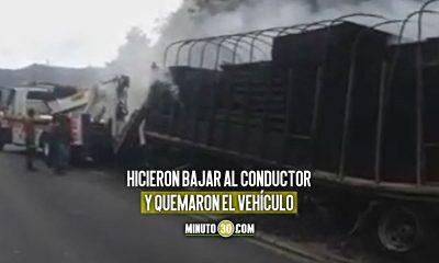 [Video] Quemaron un tractocamión en la vía Yarumal - Valdivia