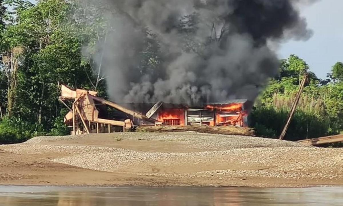 Fuerza pública destruyó 8 dragones, 16 motobombas y varias plantas eléctricas en el Chocó