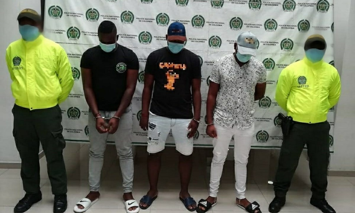 hombres capturados droga hurto