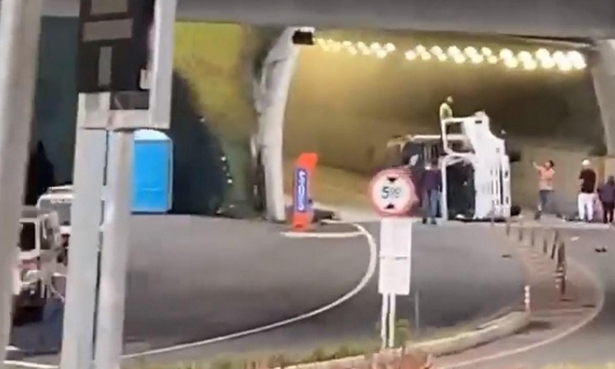 tunel de oriente