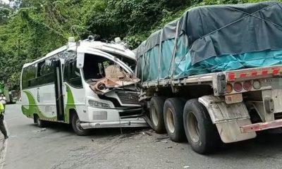 [Video] ¡Terrible! Choque entre dos vehículos en la vía Medellín - Bogotá dejó 19 heridos