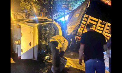 [Fotos] Un bus terminó volcado en Los Mangos, hay 5 heridos