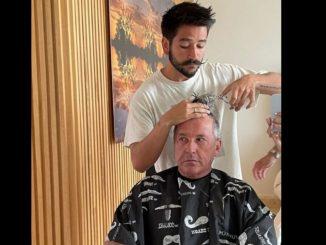¿Qué tal la cara de susto? Camilo le cambia el look a Ricardo Montaner