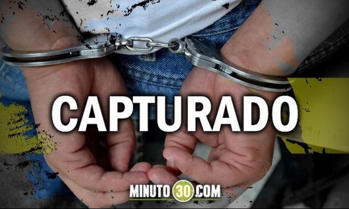 'Le echaron mano' en Estación Villa a un venezolano que andaba con un celular robado