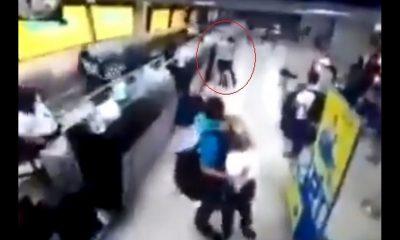 ¿Se enojó? Sujeto dañó algunas pantallas del aeropuerto de Cartagena