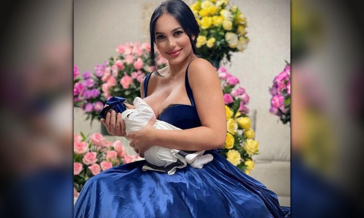 'El Chupó' bañado en oro y con piedras preciosas que Andrea Valdiri le mandó a hacer a su bebé