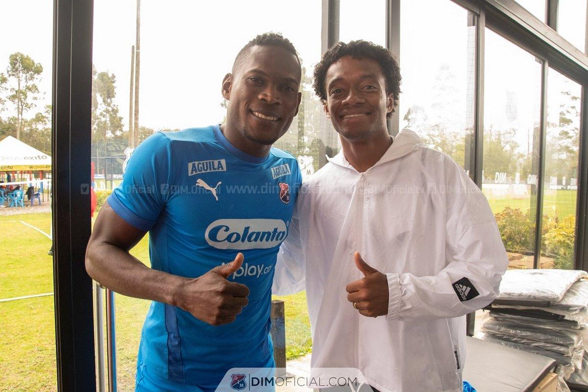 En Independiente Medellin disfrutaron la visita de Juan Guillermo Cuadrado 1