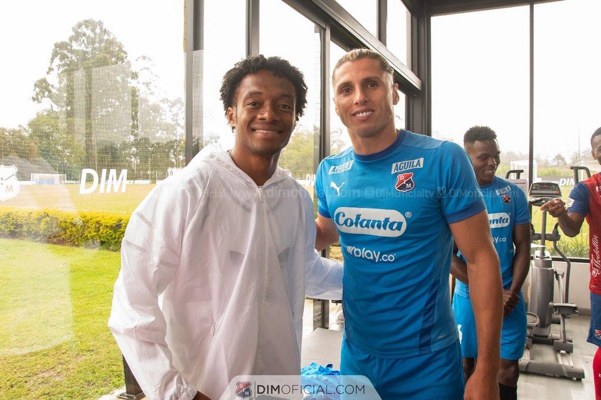 En Independiente Medellin disfrutaron la visita de Juan Guillermo Cuadrado 4