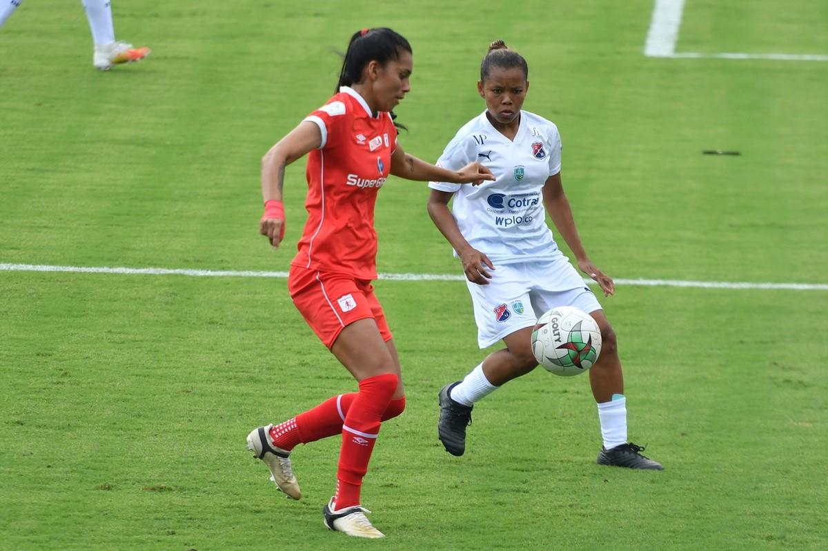 Liga Femenina Medellin vs America 4 Copiar