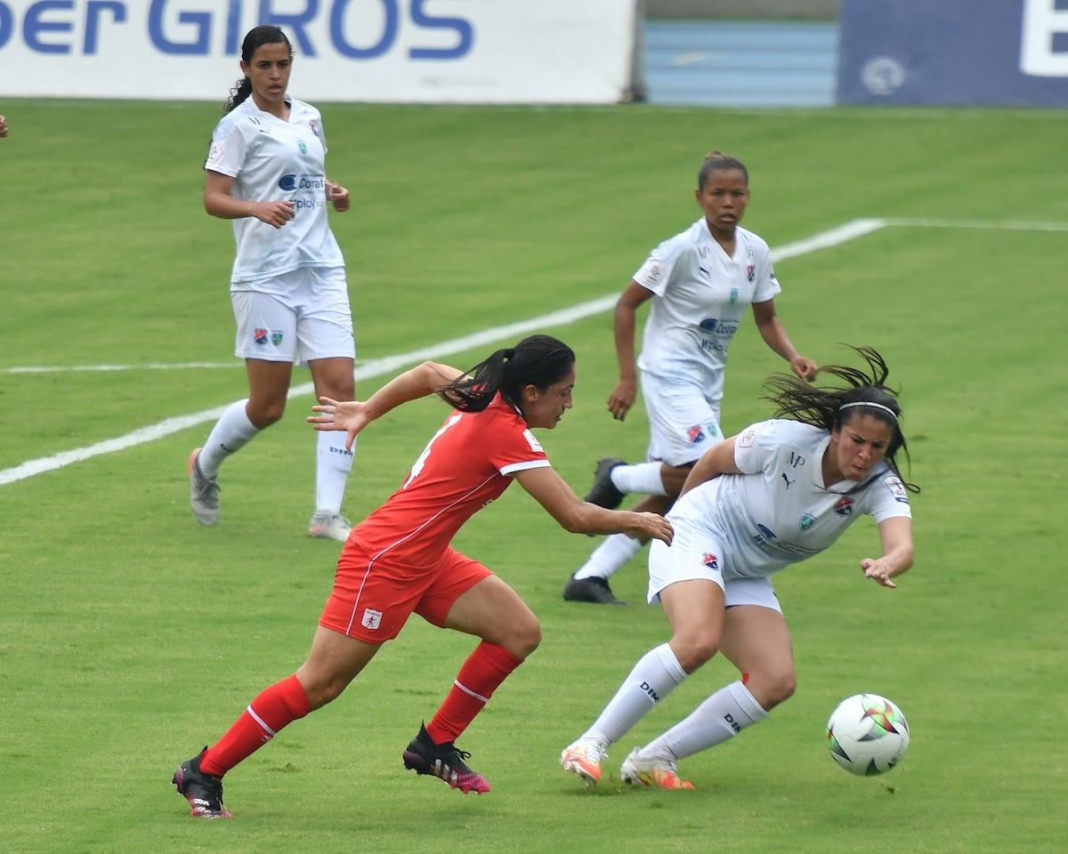 Liga Femenina Medellin vs America 5 Copiar