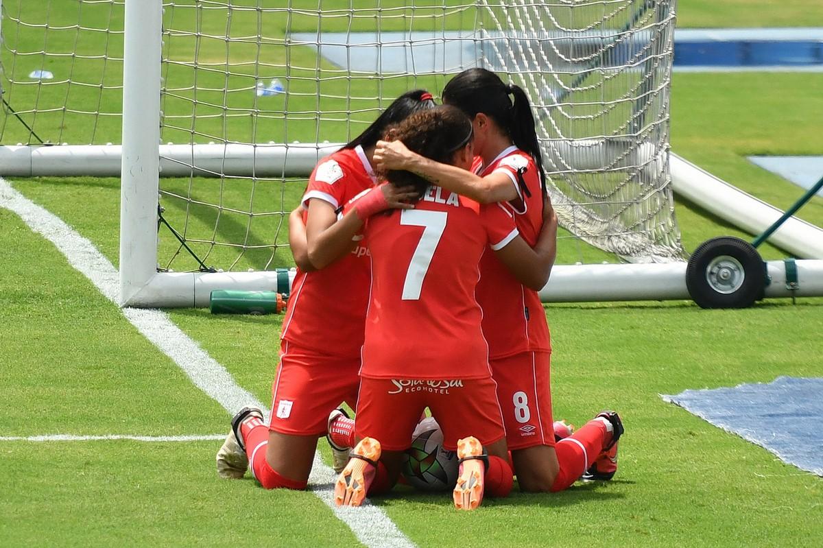 Liga Femenina Medellin vs America 6 Copiar