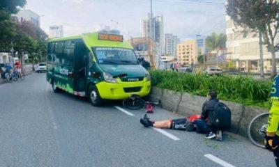 Colectivo se chocó contra un ciclista en Manizales