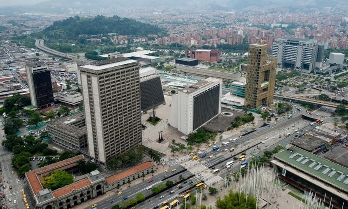 Medellín con ocupación UCI en más de 90% y piden más vacunas