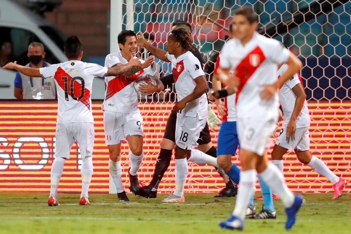 Peru Vs Paraguay 5