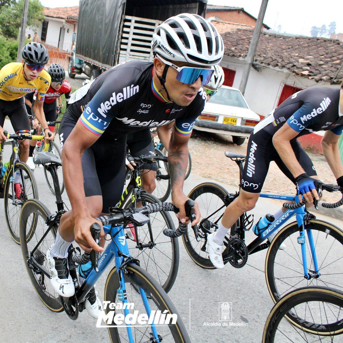 Team Medellin 4