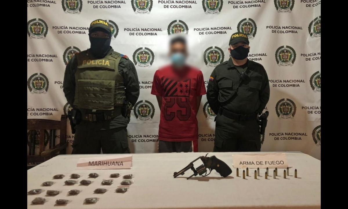 Andaba muy campante y lo agarraron con un arma ilegal