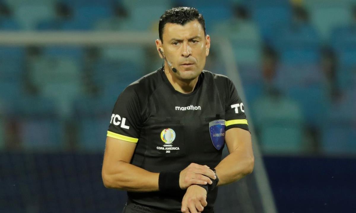 Arbitro Roberto Tobar chile