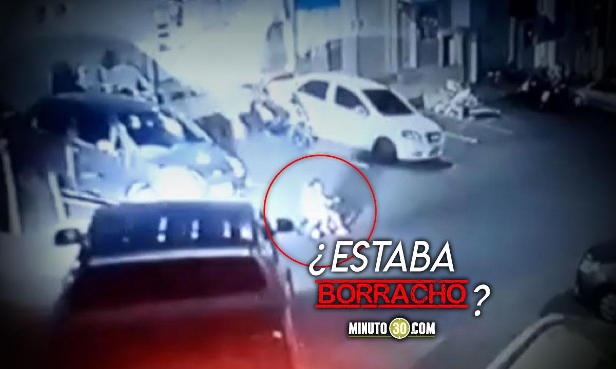 Conductor de camioneta atropelló a dos niñas y se 'largó'