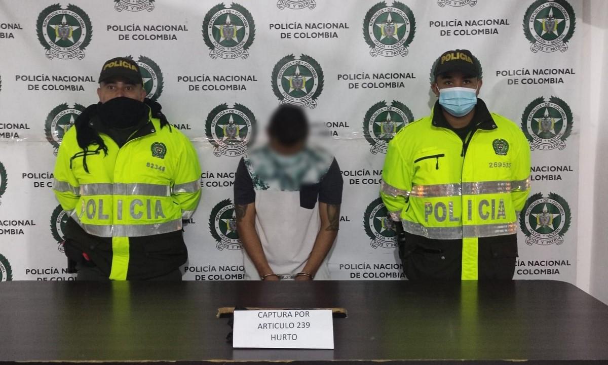 Le 'echaron mano' por hurtar un celular en Andes