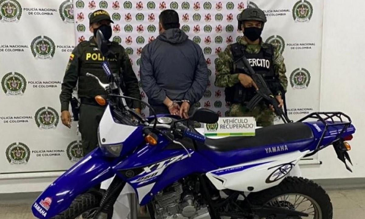 Lo 'agarraron' en Itagüí con una moto robada