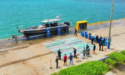 Tiraron al mar 1.535 kilos de cocaína, pero los cogieron