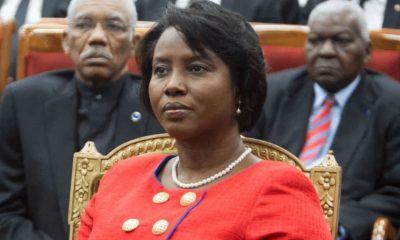 Viuda del Presidente de Haití regresó a su país