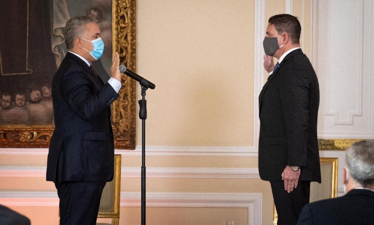 embajador en EE.UU.