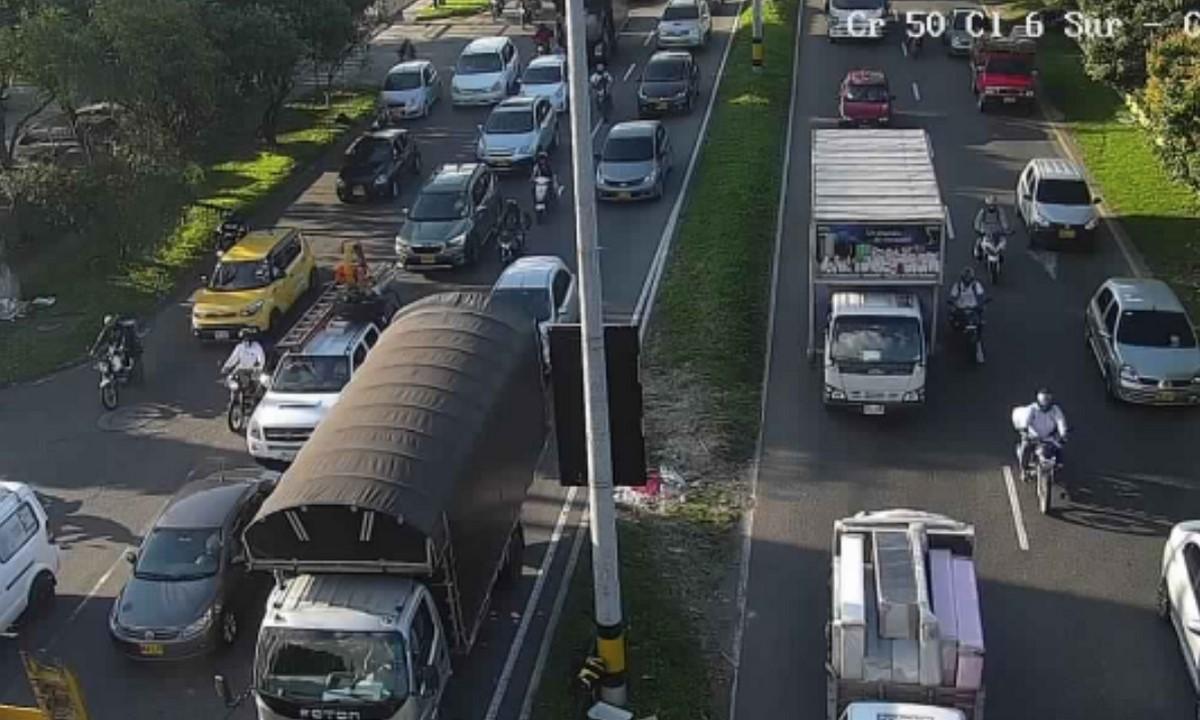 Conozca como están las vías en Medellín en plena hora pico