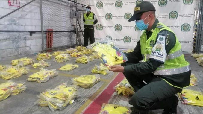Incautaron casi 500 camisetas de la 'tricolor' en Barranquilla, vendrían del extranjero
