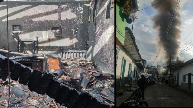 Dos casas consumidas por un voraz incendio en Santo Domingo
