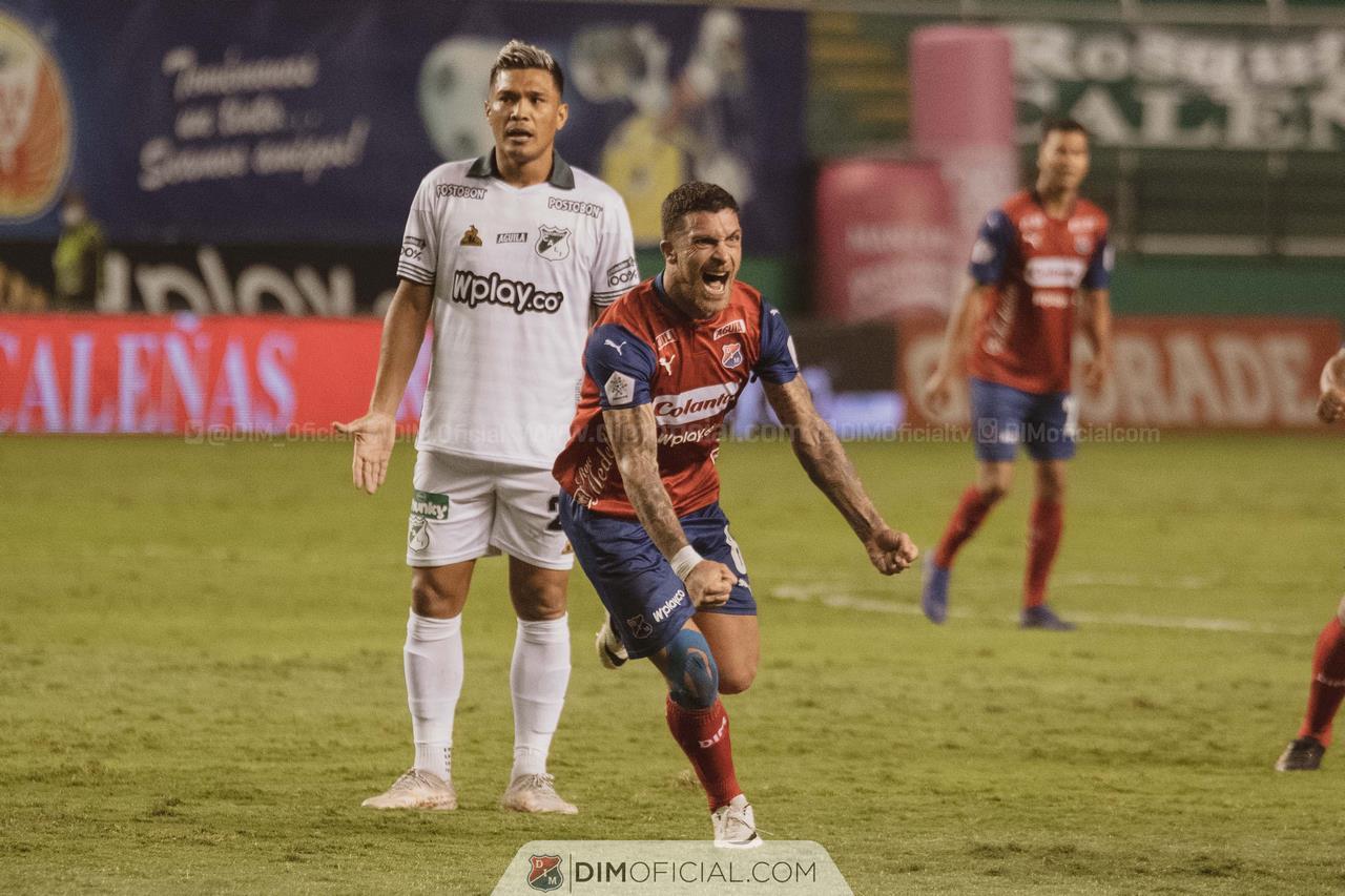 Independiente Medellin celebra goles ante Cali 1