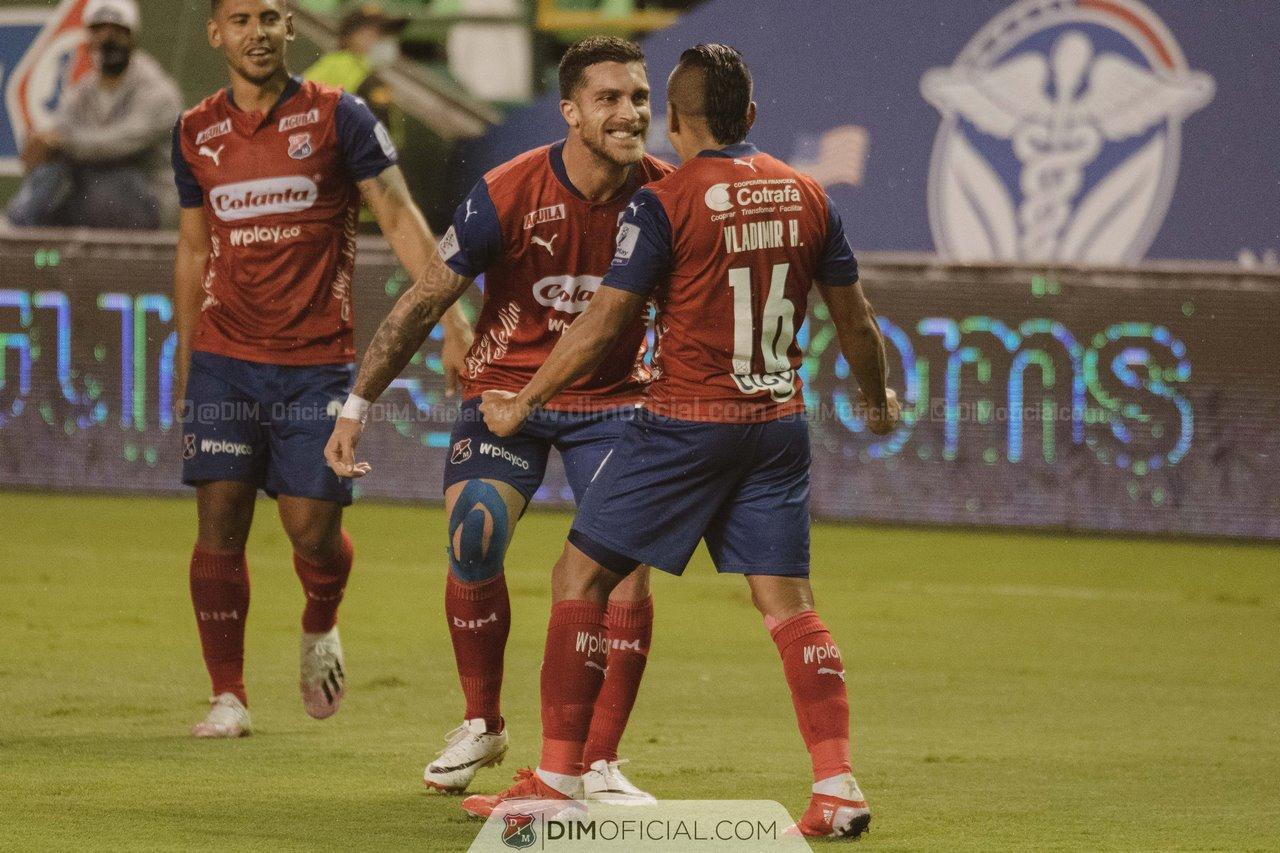 Independiente Medellin celebra goles ante Cali 3