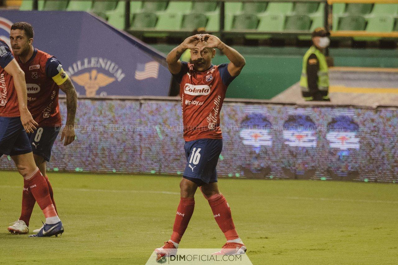 Independiente Medellin celebra goles ante Cali 6