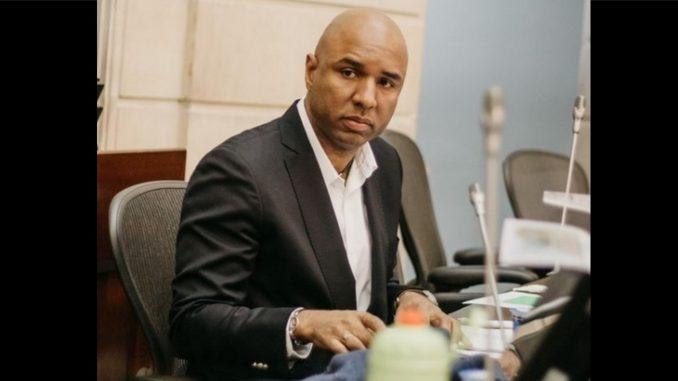 Juan Luis Castro, hijo de Piedad Córdoba renunció al Congreso