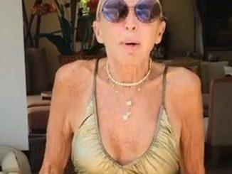 Laura Bozzo vestido de bano portada