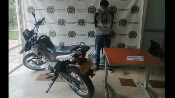 Lo agarrado dando un 'borondo' y asustado dijo que se había robado esta moto en Villa Hermosa