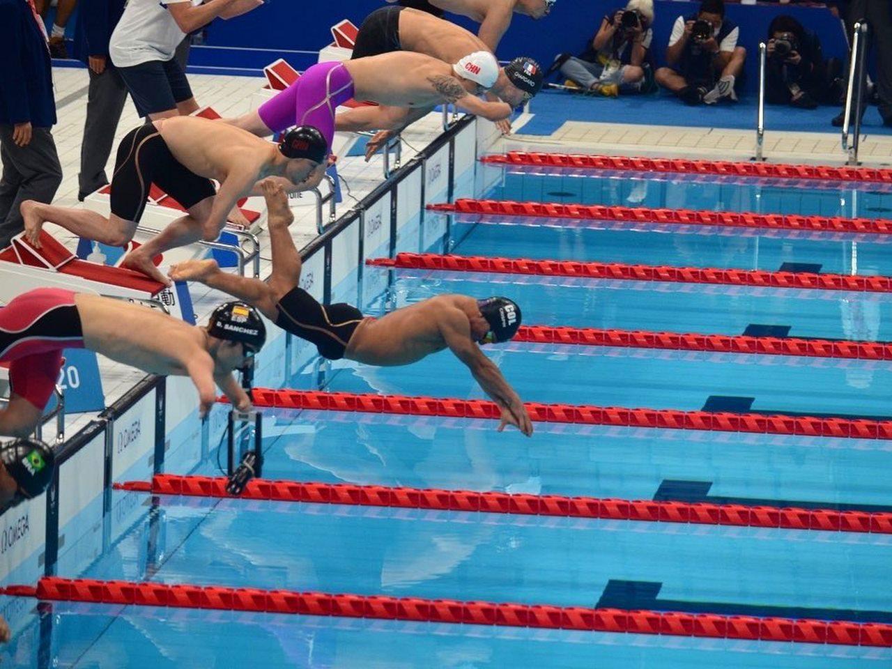 Nadador colombiano Crispin 2 Copiar