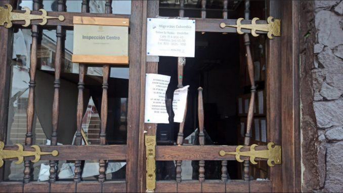 Casi tumban la puerta de la Alcaldía de Rionegro