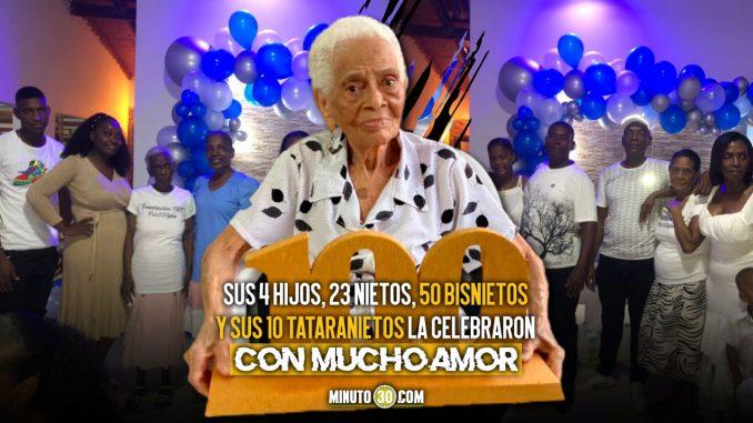 [Video] ¡Qué ternura de abuelita! Cumplió 100 años y pidió 50 mil pesos de regalo