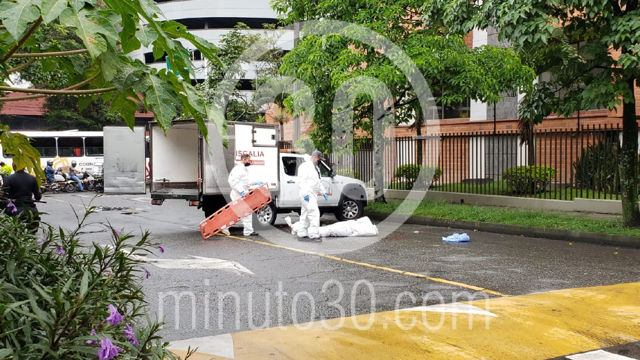 Un hombre al parecer se lanzo desde un edificio en el Carlos E y murio 2