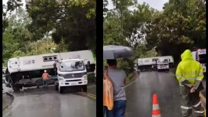 Un bus del Inpec se volcó en la vía entre Medellín y Puerto Berrío