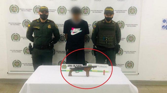 Habría hurtado a un taxista en Itagüí, pero lo cogieron con tremenda arma