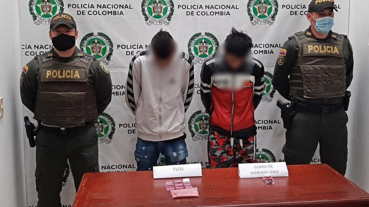 Cogieron a estos dos con tusi y goma de marihuana en Puerto Triunfo - Noticias de Colombia