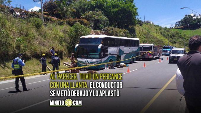 Bus le cayó encima al conductor y lo mató por la autopista Medellín-Bogotá