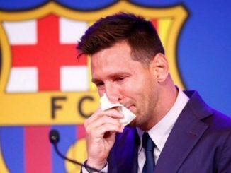 messi llorando barcelona panuelo