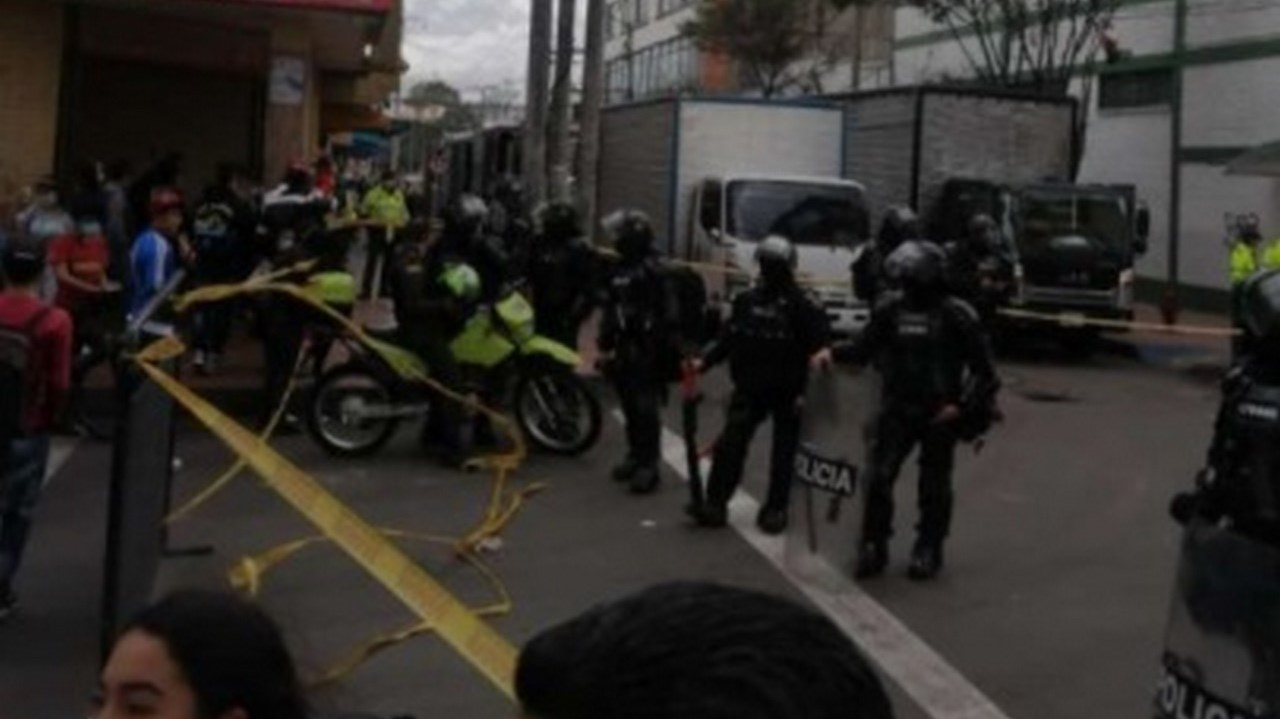 Operativo en San Andresito terminó con enfrentamientos - Noticias de Colombia