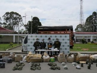 transportando municion fuerzas militares 1